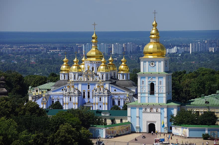 ukraine reopening again to foreigners