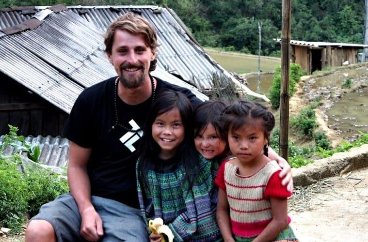 traveling lifestyle in vietnam
