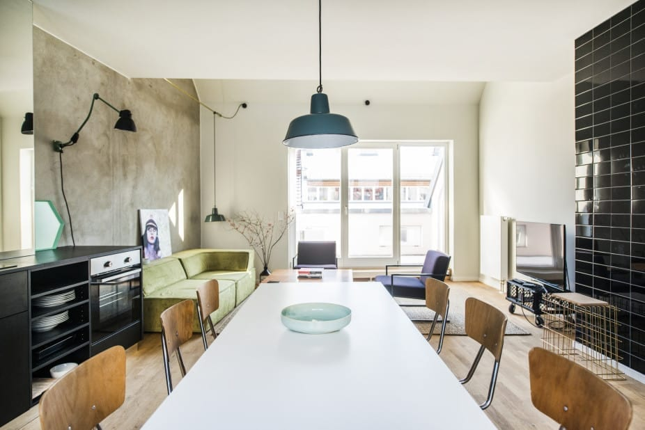 best co living spaces for digital nomads and remote teams traveling lifestyle. Black Bedroom Furniture Sets. Home Design Ideas