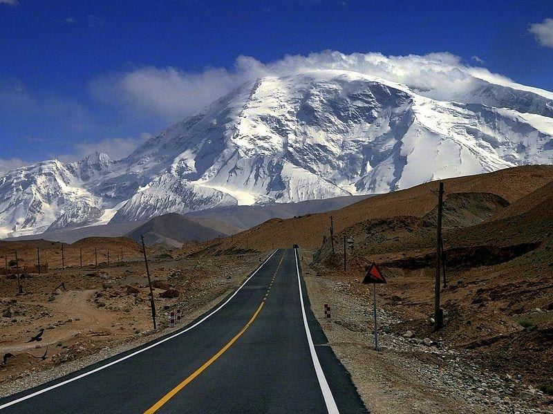The World's Most Exciting and Dangerous Roads karakoram