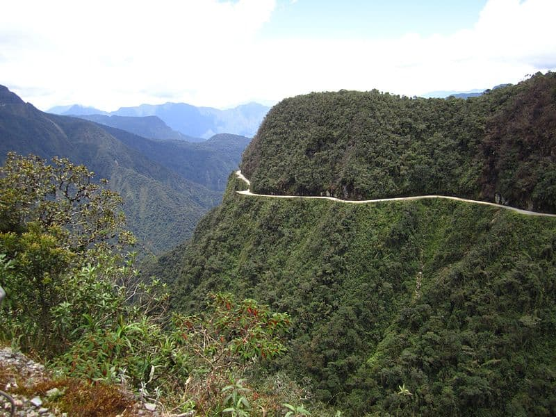 The World's Most Exciting and Dangerous Roads Yungas