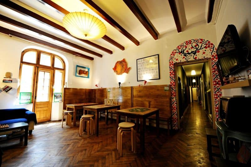 umbrella hostel in bucharest