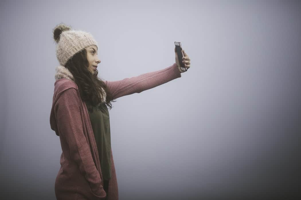 how to take pictures of yourself alone