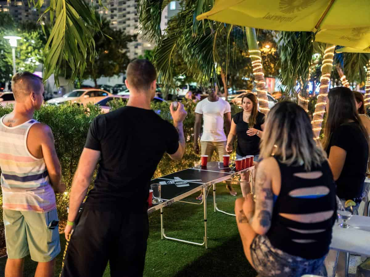 7 best hostels in miami beach for summer 2018 traveling for Beds n drinks