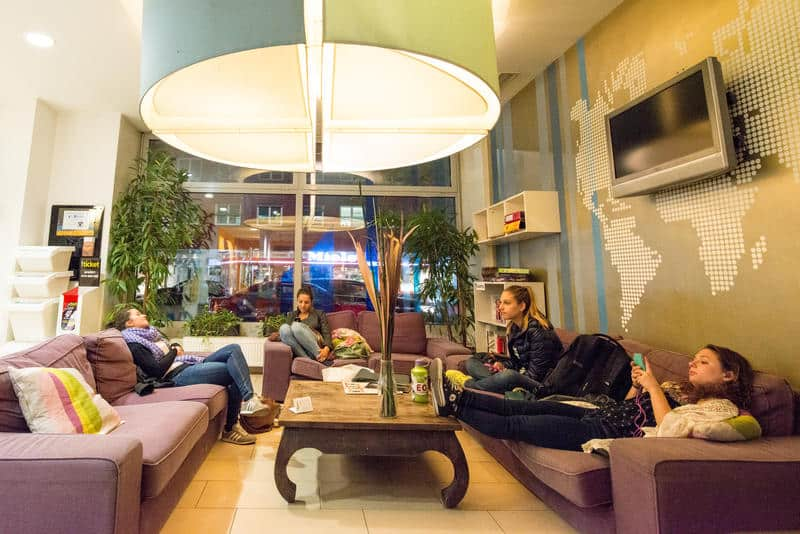 best hostels in vienna for solo travelers