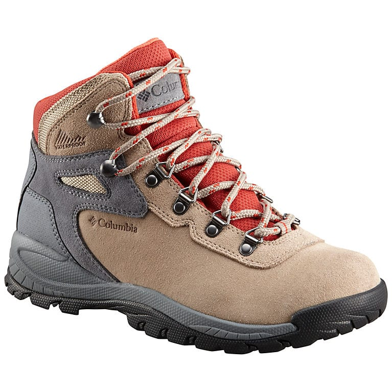7 Best Hiking Shoes for FLAT FEET to