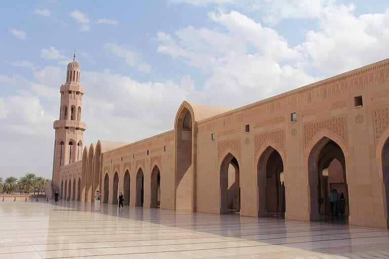 oman reopening borders to tourists