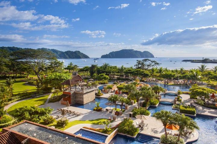 Costa Rica reabre para el turismo - restricciones