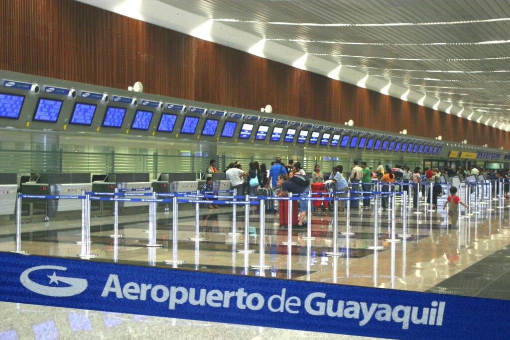 Ecuador restricciones aeropuerto - Turismo