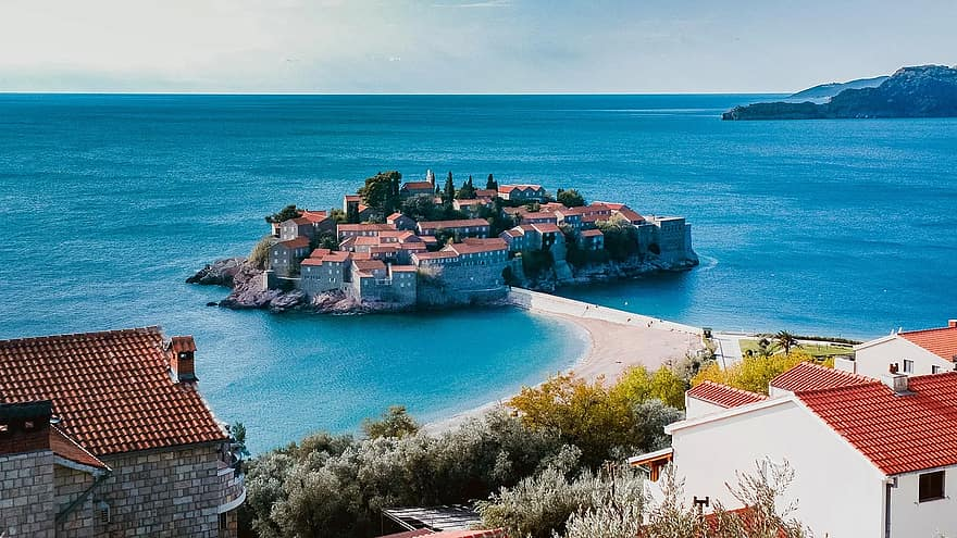 Montenegro reopening for tourism - travel restrictions