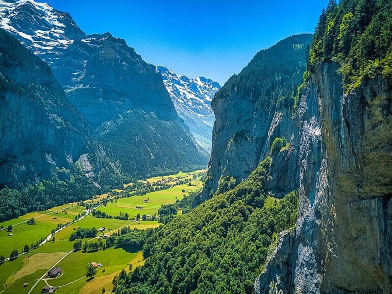 Switzerland reopening to tourists - travel restrictions