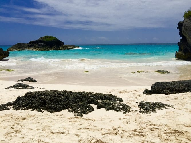 Bermuda reopening for tourism - travel restrictions