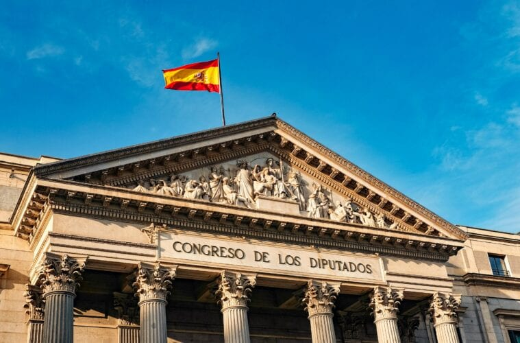 Spain to require PCR tests