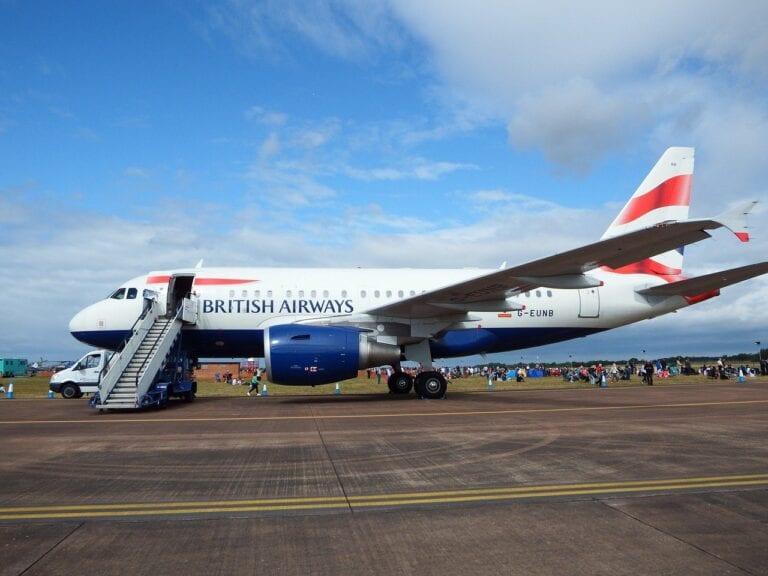 COVID vaccine to make UK-Australia travel bubble possible soon