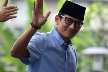 Indonesian-Minister-of-Tourism-in-Bali-to-prepare-for-reopening