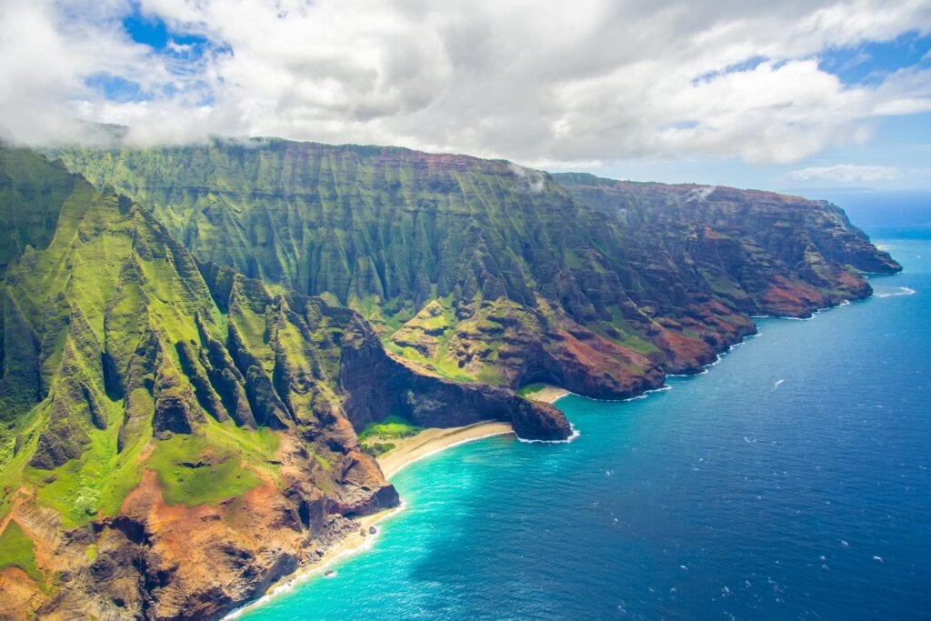 Hawaii upgrading travel restrictions