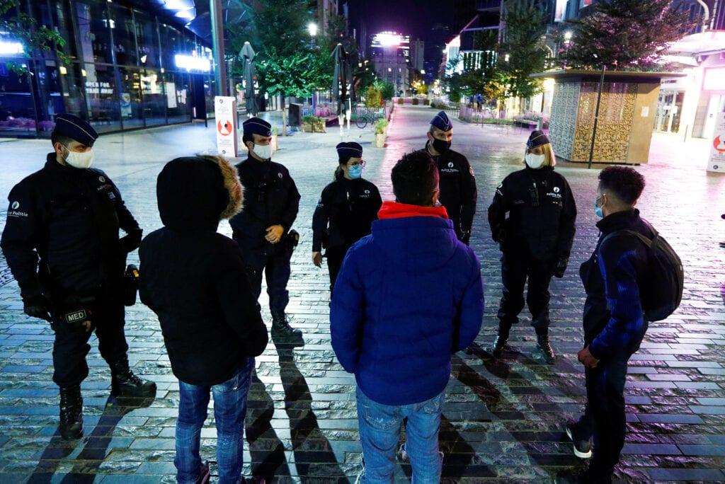 Belgium Police talking to citizens