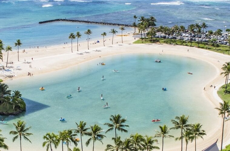 Hawaii progressively reopening tourist attractions