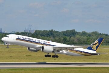 Singapore-airlines-wants-to-be-the-first-to-vaccinate-all-crew