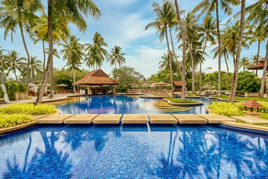 Thailand-considering-using-golf-resorts-for-quarantine-to-attract-tourists