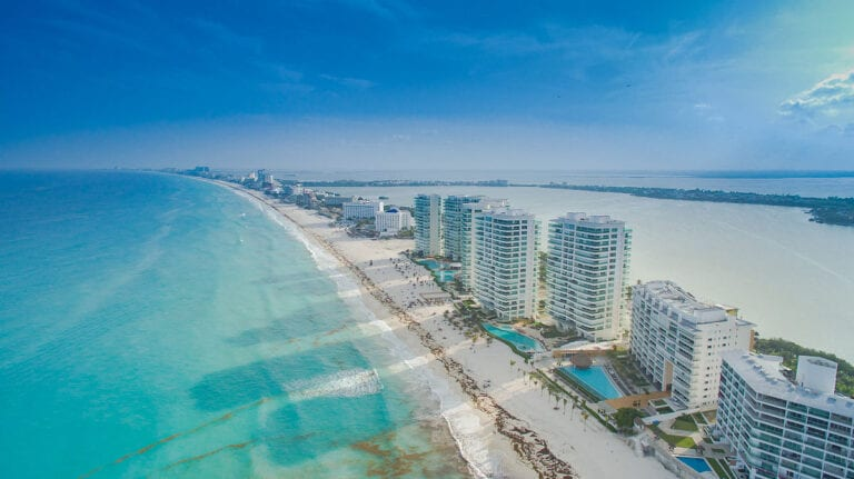 Tourism-in-Cancun-down-only-25-compared-to-previous-year
