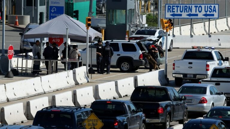 U.S.-Mexican-border-closure-extended-again-until-February-24