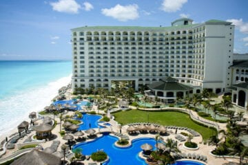 Mexican resorts offering free COVID-19 tests to American tourists