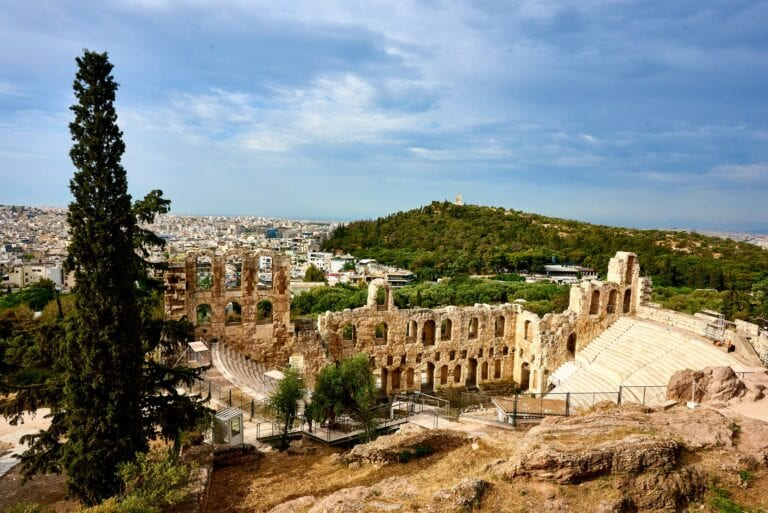 Greece plans to reopen to tourists by the June 2021