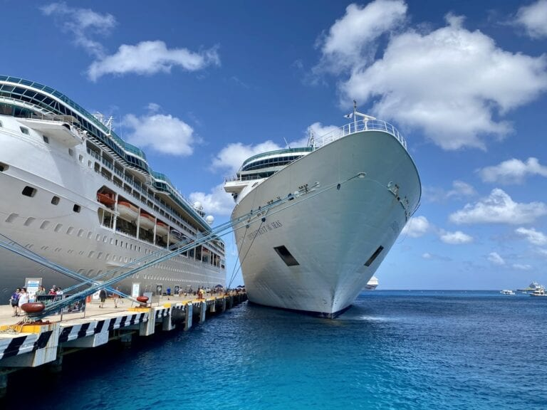 cruise ships that are sailing now