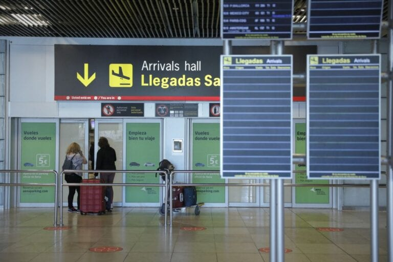 Spain Extends Travel Bans for non-EU Visitors until the end of March