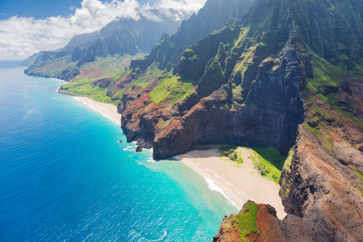 Hawaii drops all testing and quarantine requirements for interstate travel