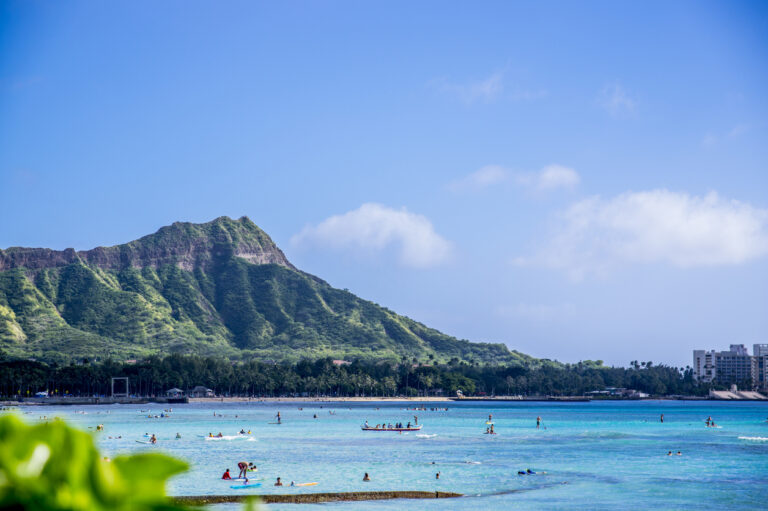 Hawaii Mayor Calls for Reimposing Pre-travel Testing and Beach Closures
