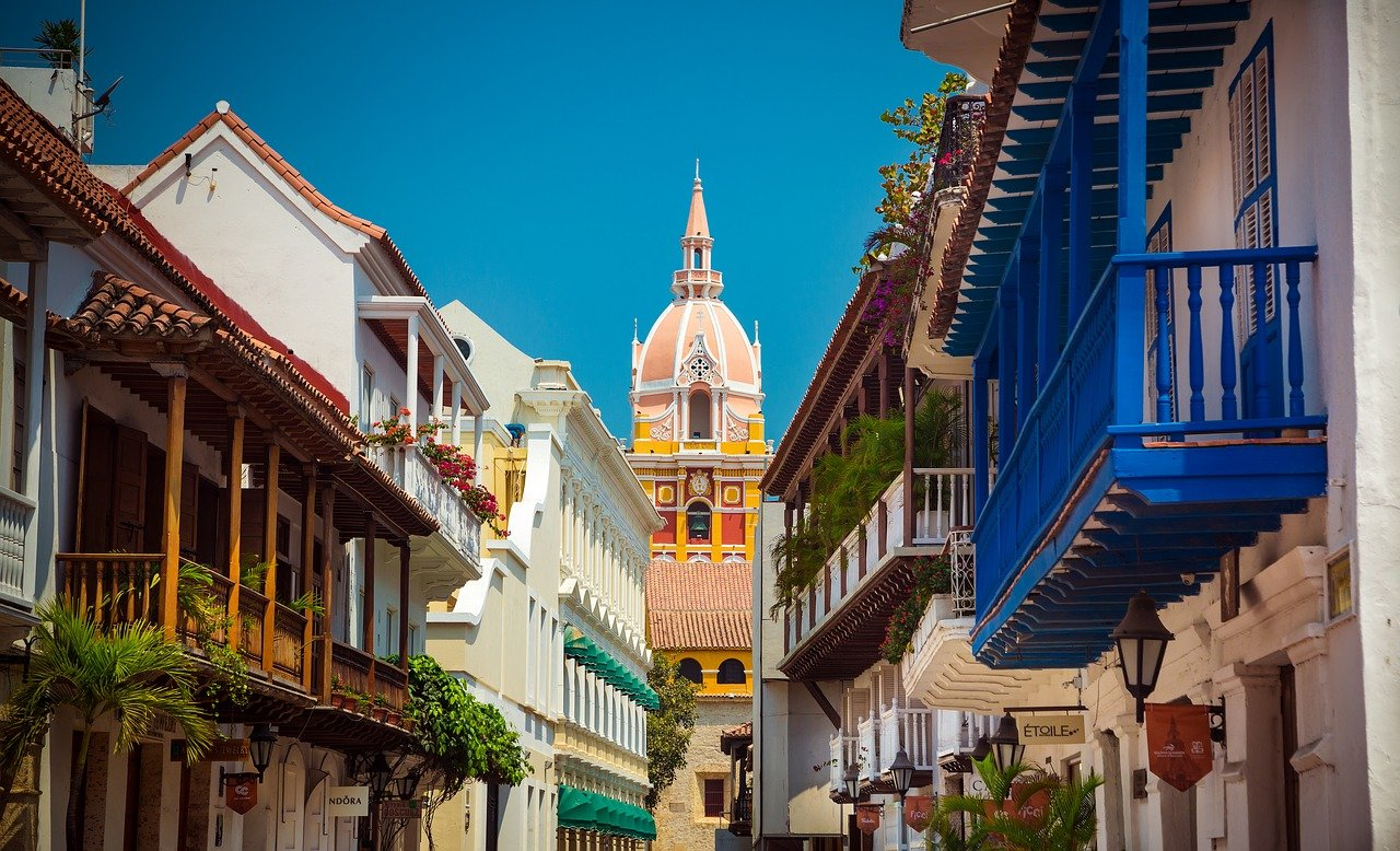 is it safe to travel to colombia right now during covid