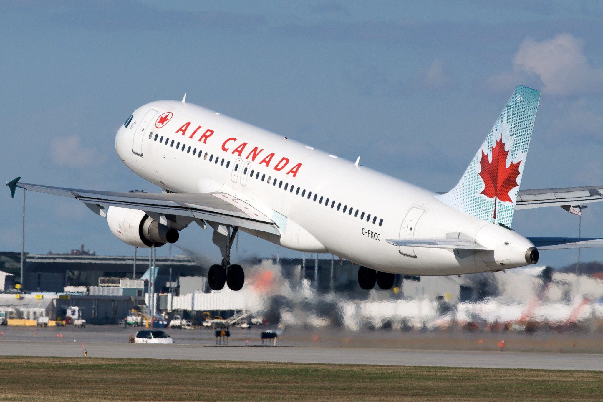 Multiple Canadian Airlines Resuming Flights to the UK, Australia and Portugal