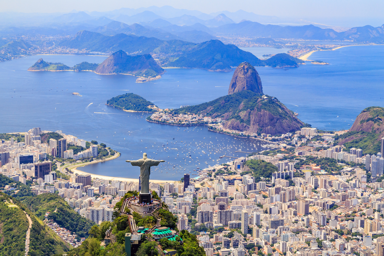 is it safe to travel to brazil