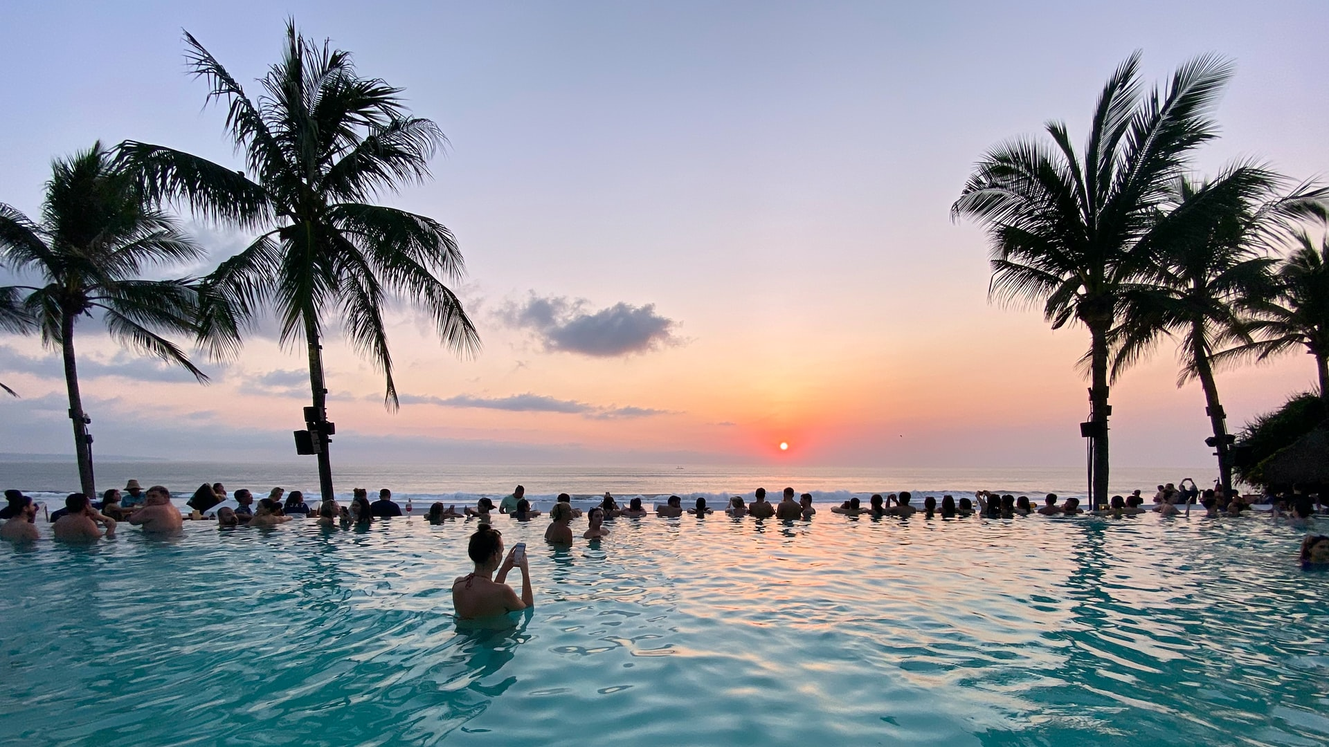 Bali Officials Expect Up To 1500 Daily Visitors After Reopening